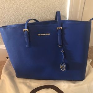 MICHAEL Michael Kors jet set medium top-zip bag